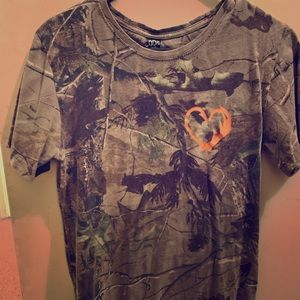Tops - Hook N Antler short-sleeve
